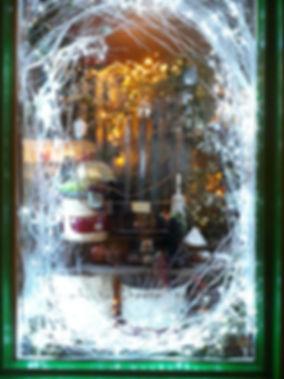 xmas window 2.jpg