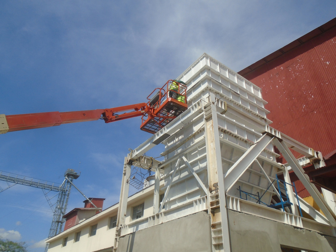 Servicios de Ingeniería, Diseño, fabricación y montaje de proyectos