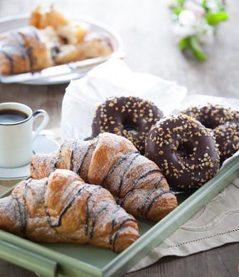 Group_doughnut_croissant_1.jpg