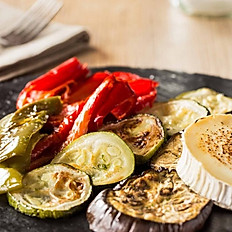 Grilled vegetables with melted goat's cheese