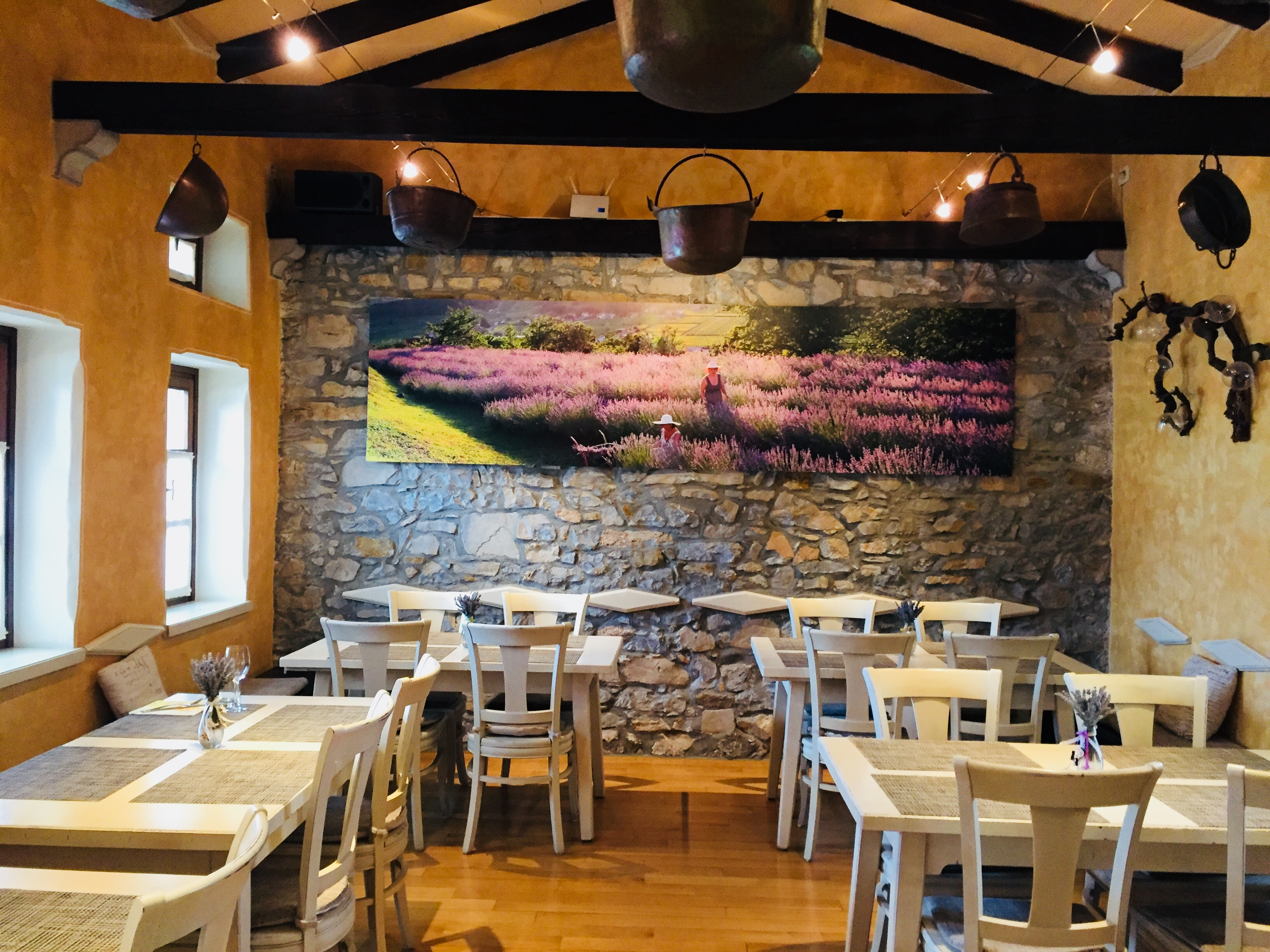 E30-1 Restaurant Breg