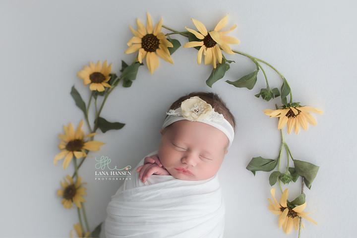 Grundy Newborn Photography Session {Newborn Photographer}
