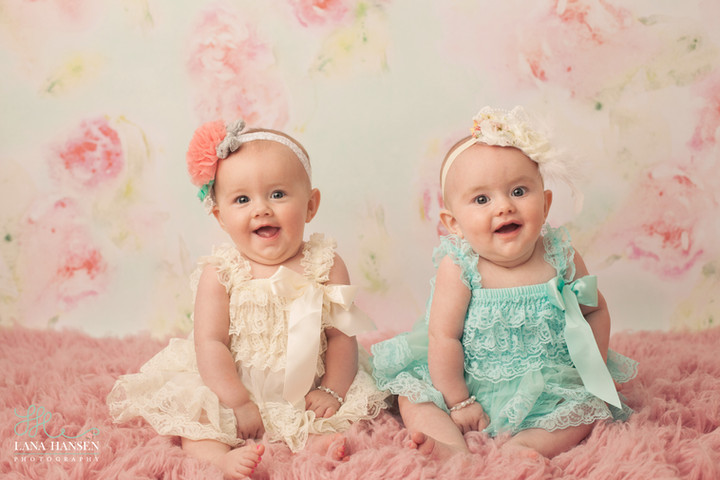 Rollins 6 Month Twins {Child Photographer}