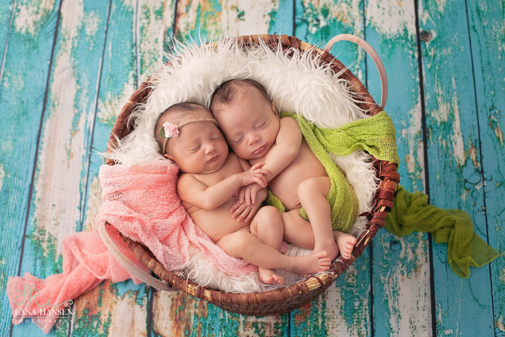 Flores Twins {Newborn Twin Photography}
