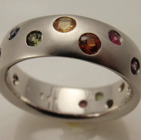 scatter set rainbow sapphire in brushed white gold