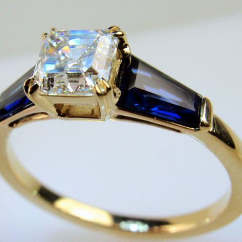Ascher Cut w/ tapered baguettes in 14k yellow gold