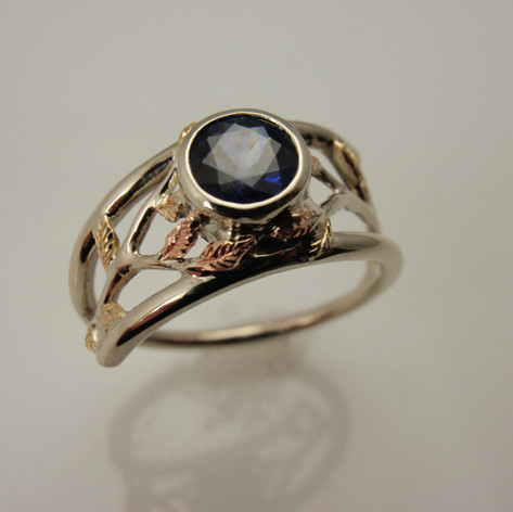 two tone vine and leaf ring