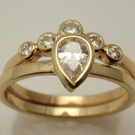 pear shaped solitaire ring w/ bezel set 5 stone wedding ring