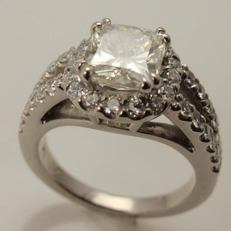 1kw cushion cut diamond ring w/ halo and split shank