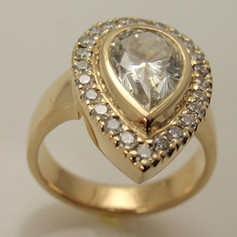 14k yellow bezel set diamond ring w/ halo