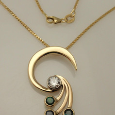 moder moon and shooting stars mother's pendant
