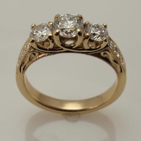 trellis ring w/ vintage scroll filagree accents