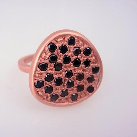 black diamonds bead set in flat ring