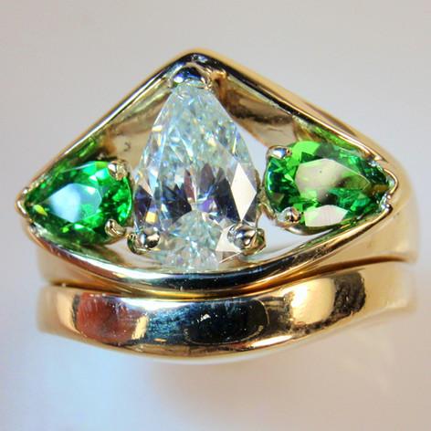 diamond and mint garnet wedding set