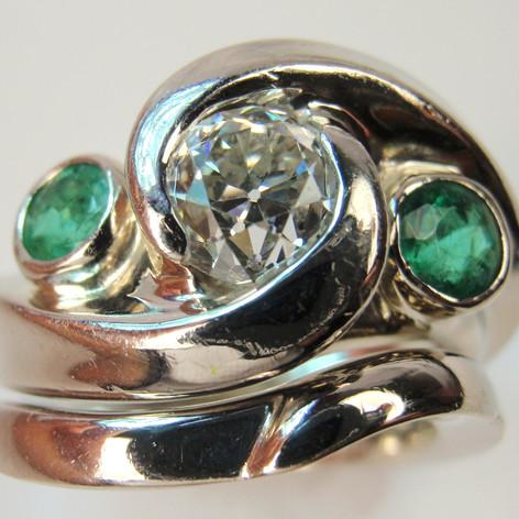 swirling three stone