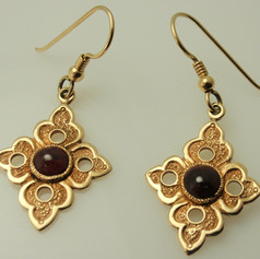 yellow gold french wire earrings w/ bezel set cabs