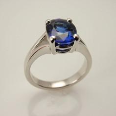cast split shank w/ oval sapphire