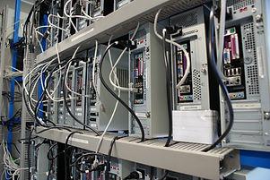 datacenter-2803200_1920.jpg