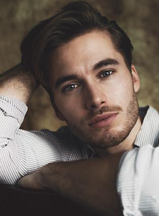 Photographer Jonas Hjermitslev. Model Je