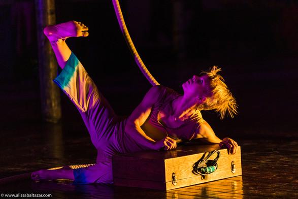 Aerial dancers, Ha