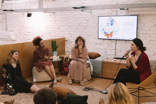 Os desafios do consumo consciente, com Laura Madalosso, Marina Lins, Caroline Silvas e Martina Seibel
