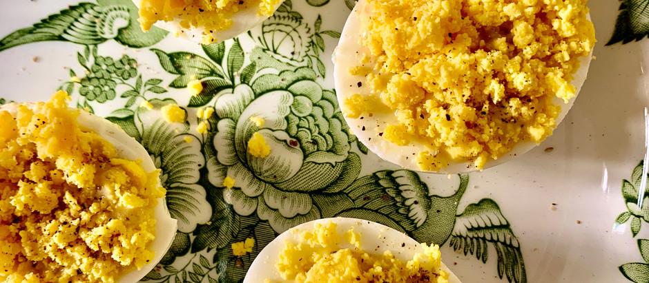 Œufs mimosas et mayonnaise de sardines