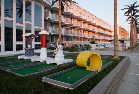 Miniature golf course by the lobby.