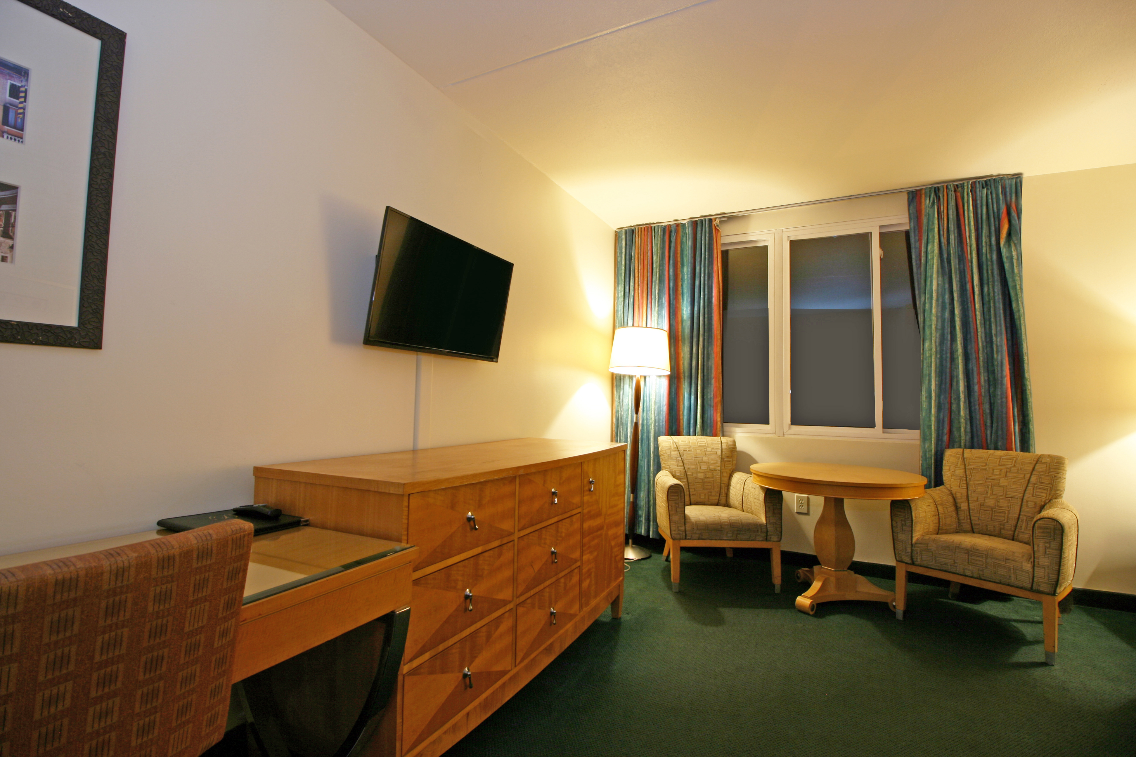 Two Room Suite 4