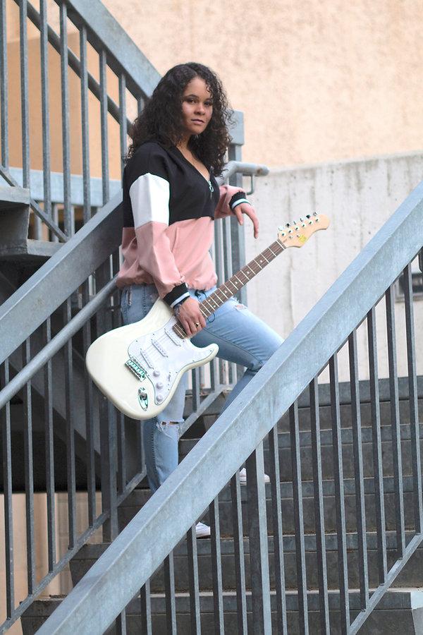 Andréa Lisa Guitar Andrea Lisa