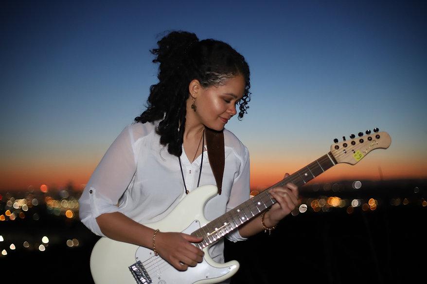 Andréa Lisa Andrea Lisa guitar los angeles sunset