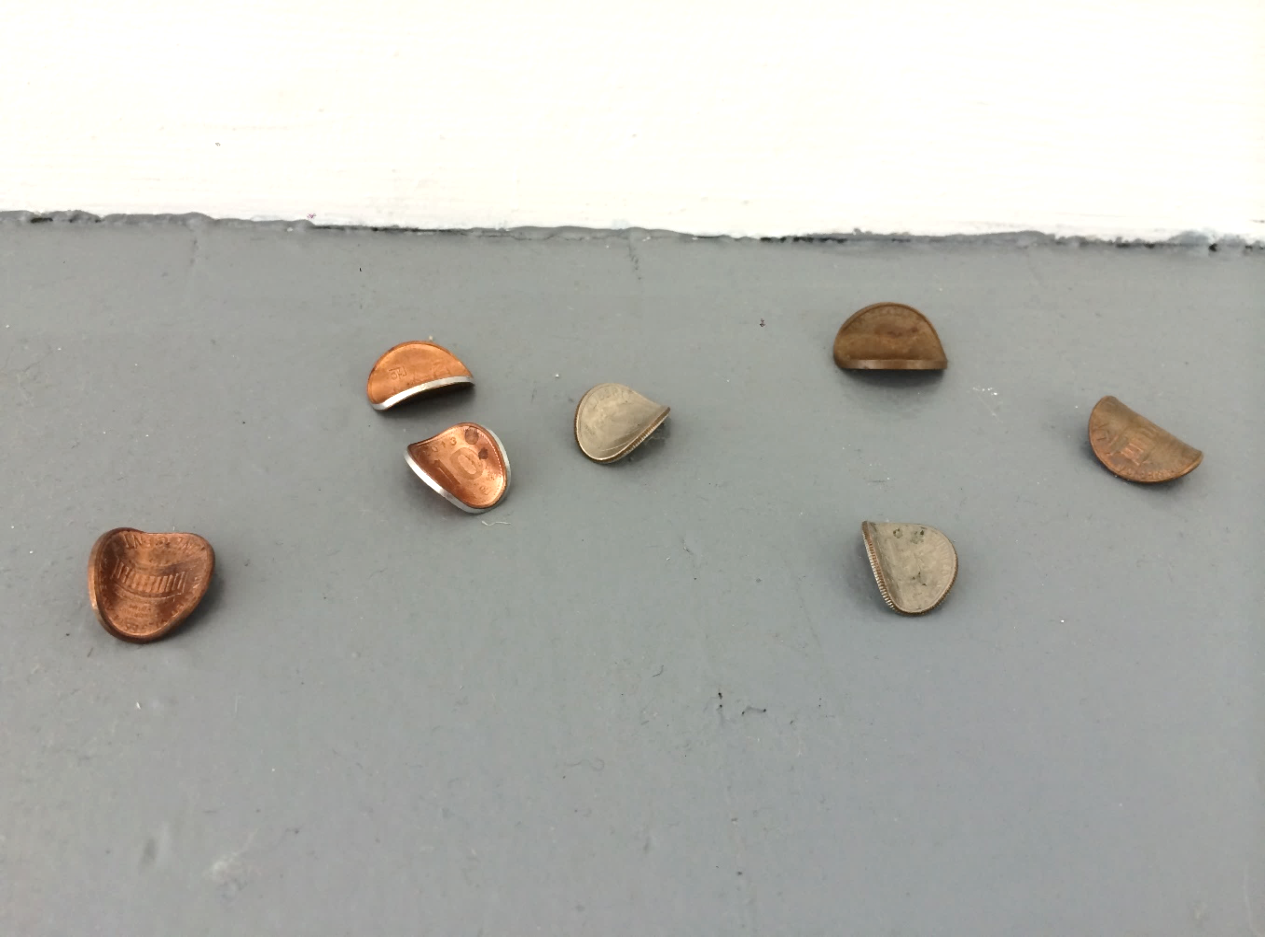 이다슬, Bent coins, 2015, 동전, 20mm each