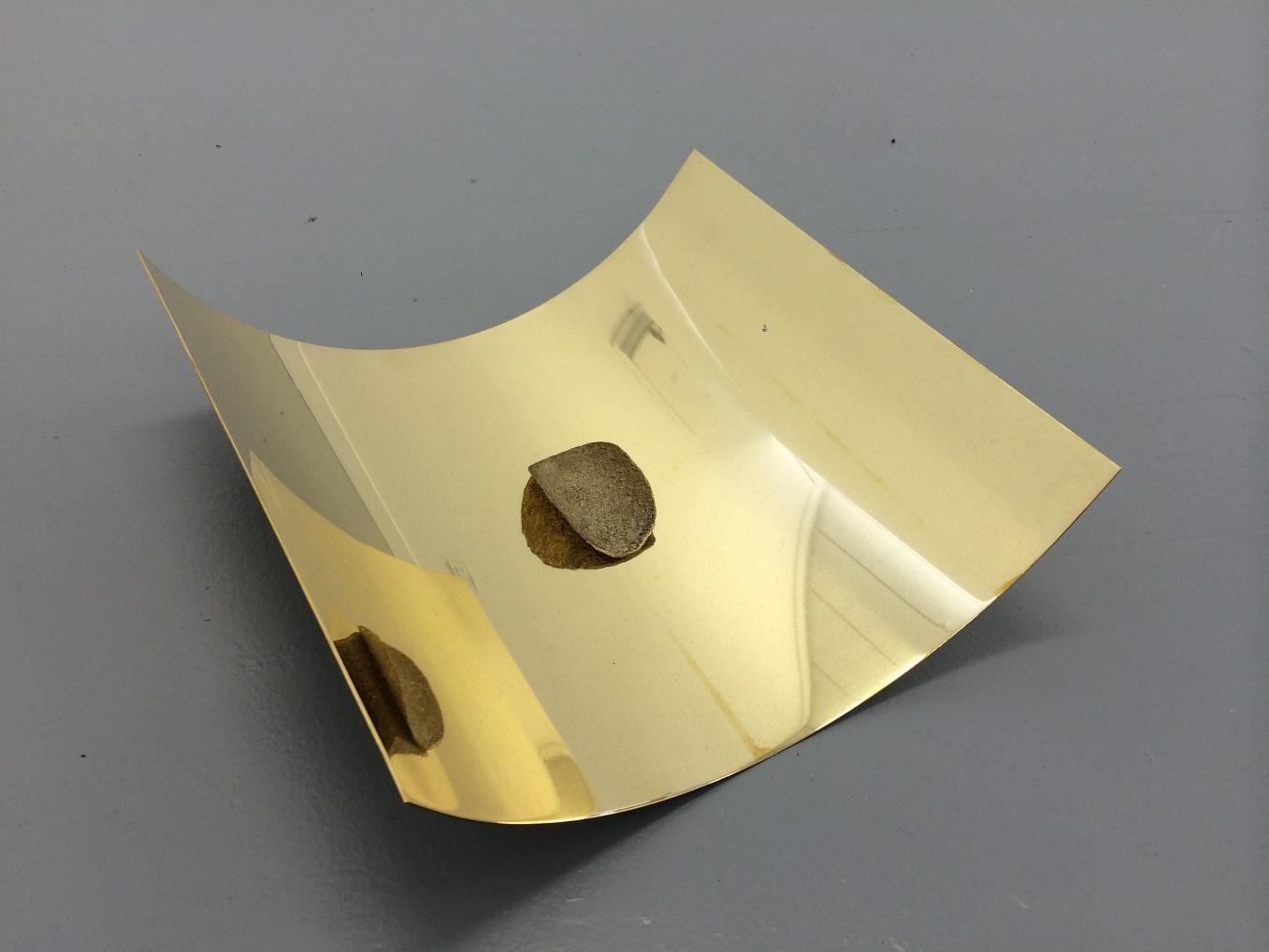 이다슬, Brass chip on brass sheet, 2015, brass, 250mm x 300mm, 70mm