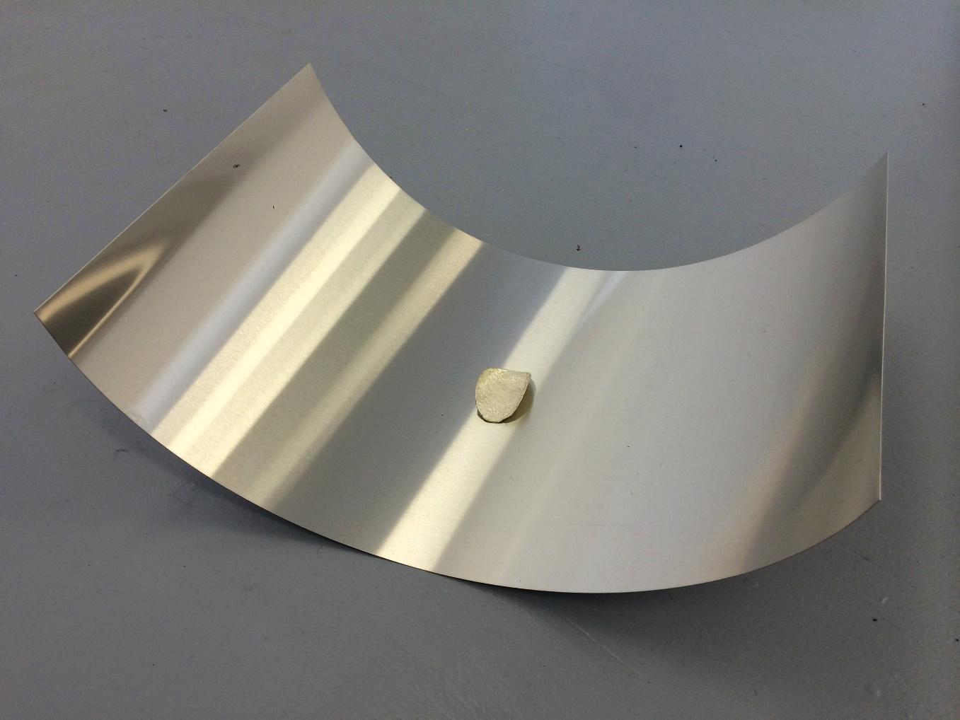 이다슬, Silver chip on aluminium sheet (Same financial cost), 2015, 은, 알루미늄