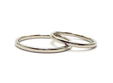 婚約指輪のブライダルリング