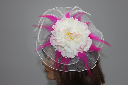 "Kentucky Derby Fascinator - ""Pinky Tip"""