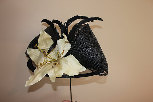 Lilly Creme - Black KY Derby hat with oversized lilly