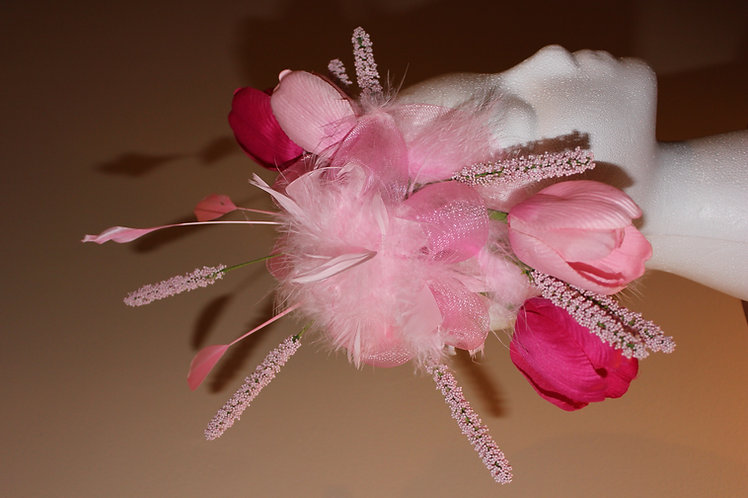 """Color Me Pink"" Fascinator for the Kentucky Oaks!"