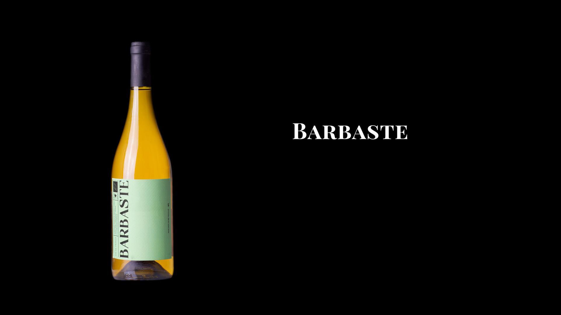 Terroir du Mas Neuf à Argelliers, sol très calcaire.   La parcelle de Chardonnay est très sensible aux gelées, d'où son nom qui signifie 'gelée blanche' en occitan.