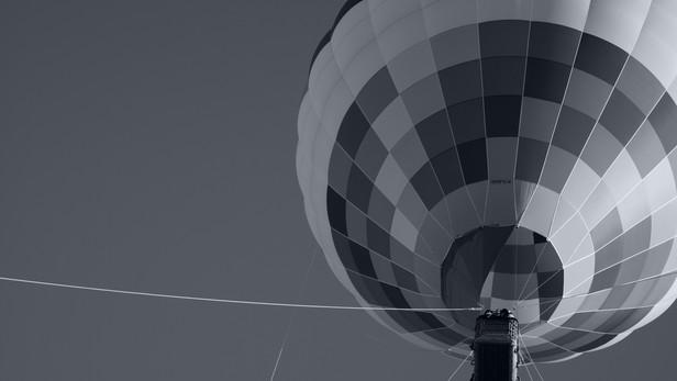 a hot air baloon