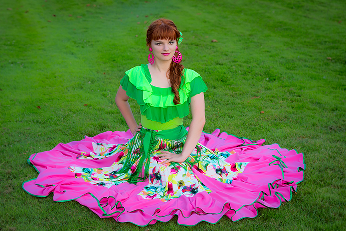 haut-flamenco-femme-vert-jupe-fleurs-ros