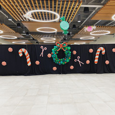 Candies and wreaths