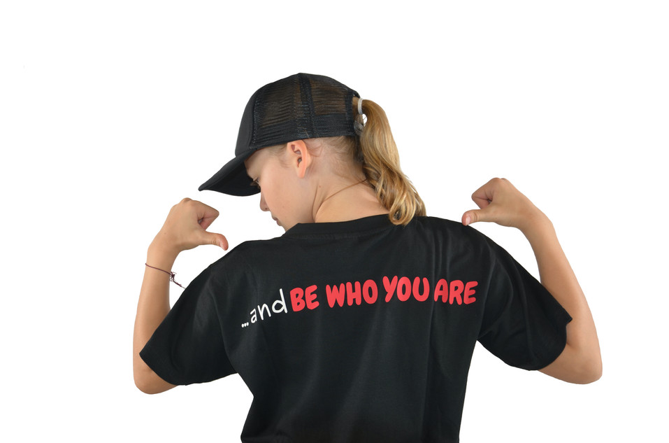 """T-shirt """"Be Who You Are"""" (Back)"""