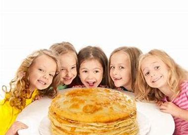 kinderen met pannenkoek banaan.jfif