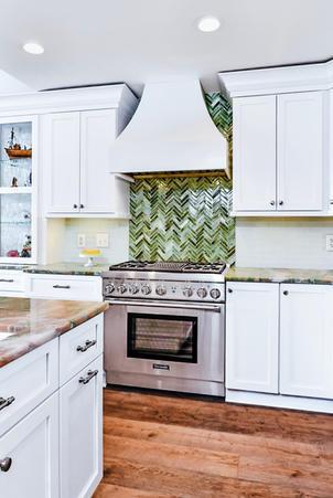 Modern-white-kitchen-stove-range-vent