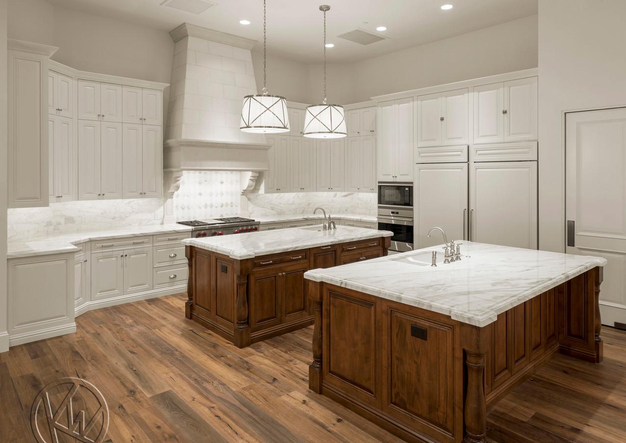 HRM2810 kitchen.jpg