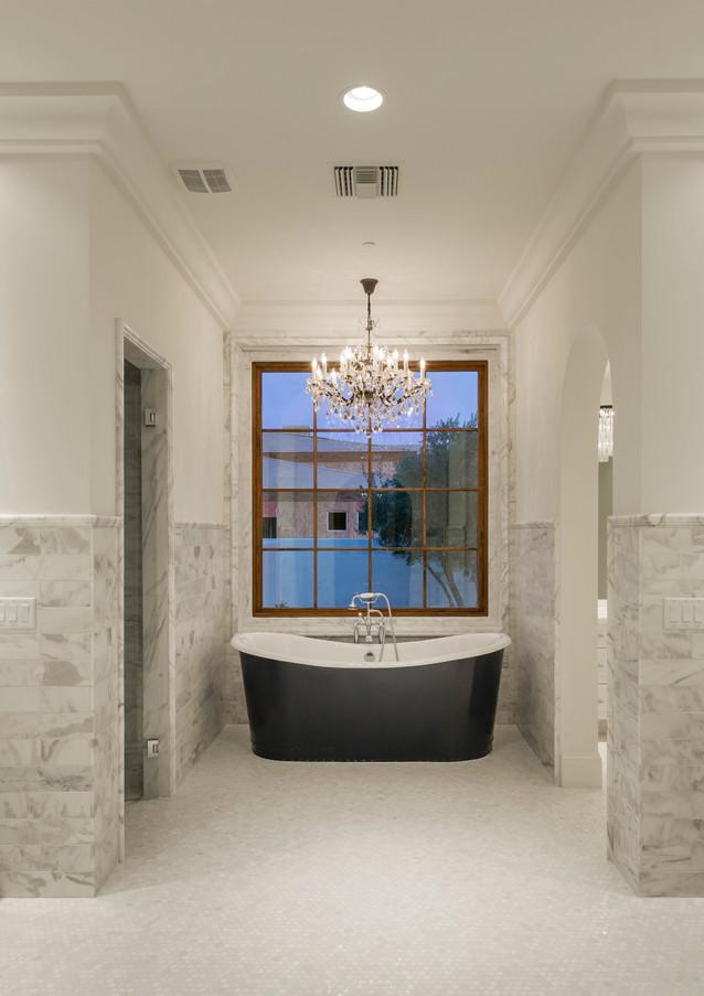 HRM2773 bath.jpg