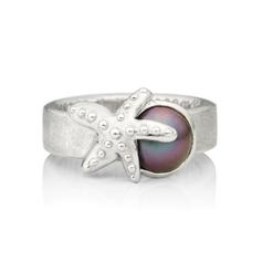Bague étoile de mer en argent rhodié avec cabochon de perle de Tahiti