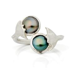 Bague toi&moi en forme de raie en argent rhodié avec cabochons de perle de Tahiti