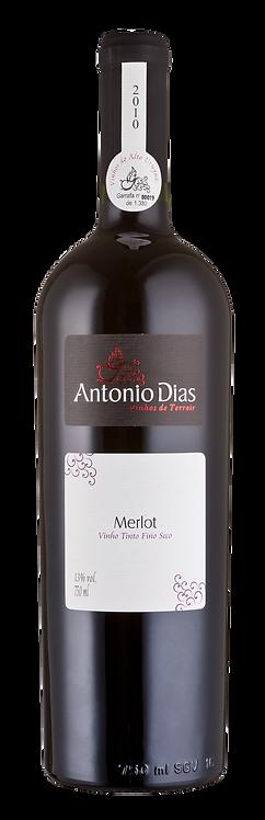 Vinho Merlot Antonio Dias