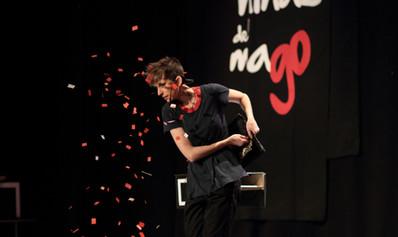 shows de magia en teatro. Dúo de magas en España.JPG